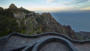 Bajo la Roca Mana la Vida, La Gomera