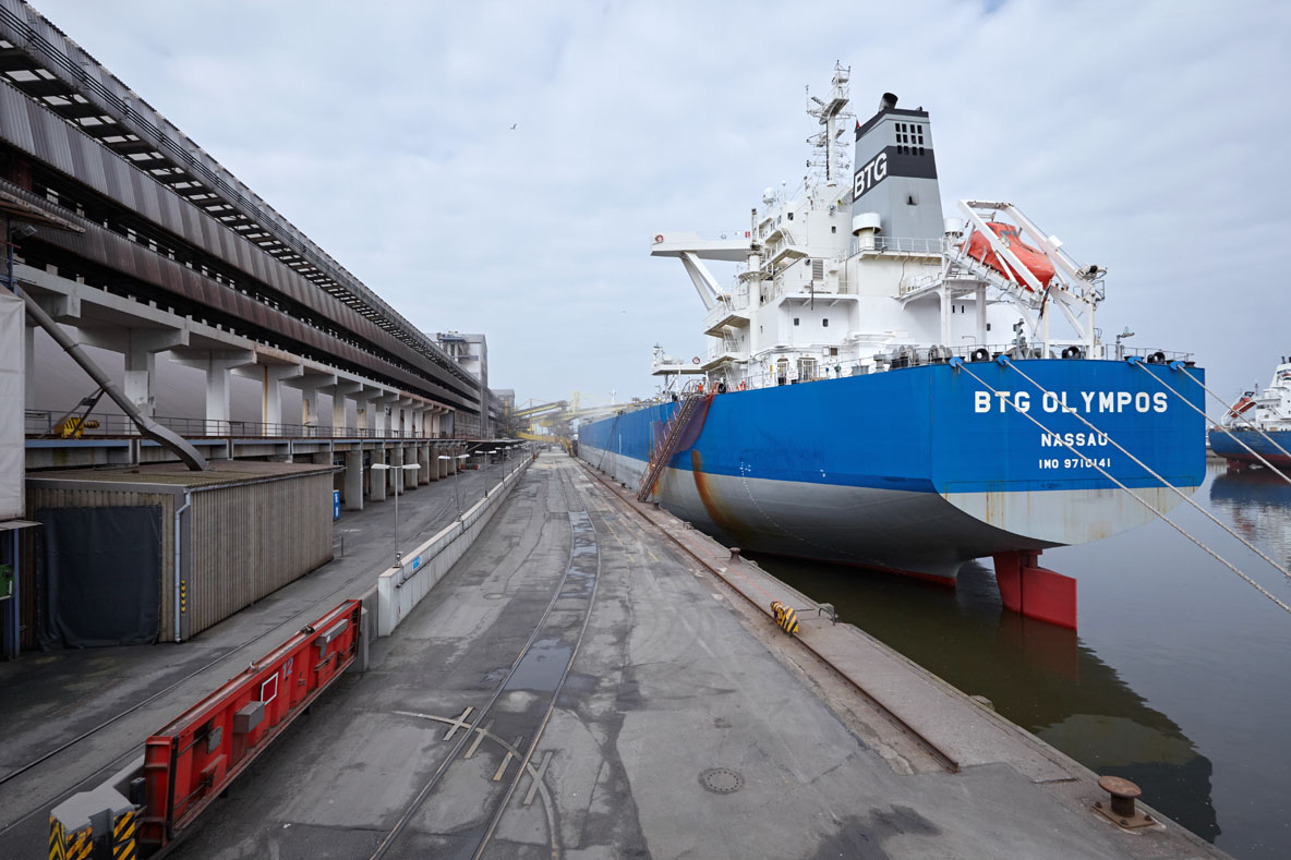 Bulk Carrier BTG Olympos at K+S Transport GmbH Terminal Kalikai, Port of Hamburg 2018.