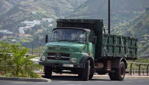 Mercedes Benz 1513 in Hermigua, La Gomera