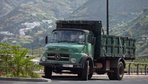 Daimler Benz 1513 in Hermigua, La Gomera