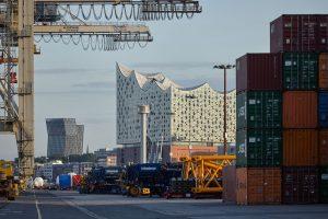 Unikai, O'swaldkai, Kleiner Grasbrook, HHLA Unikai, Port of Hamburg, Elbphilharmonie, Tanzende Türme